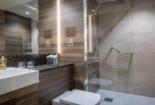 Hotel 7 Bathroom