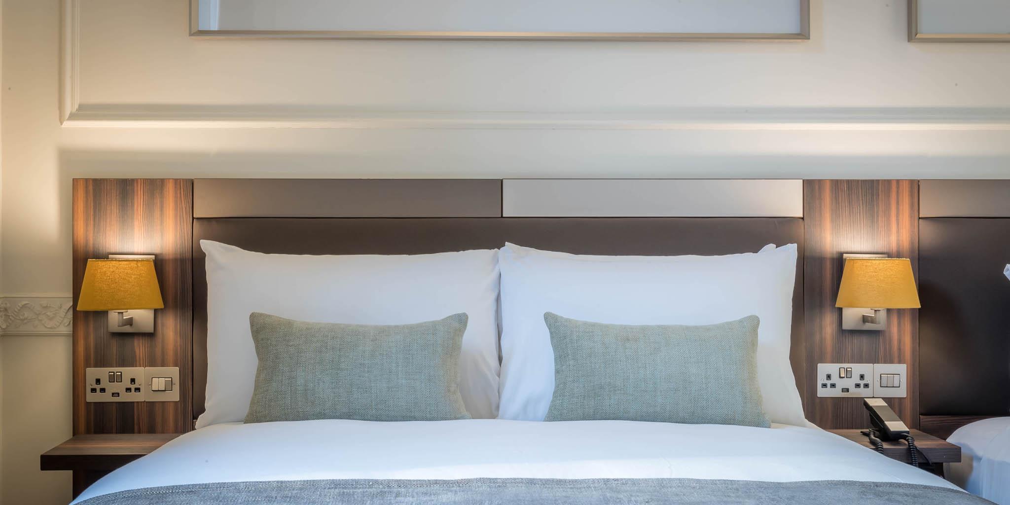 Hotel 7 bedroom