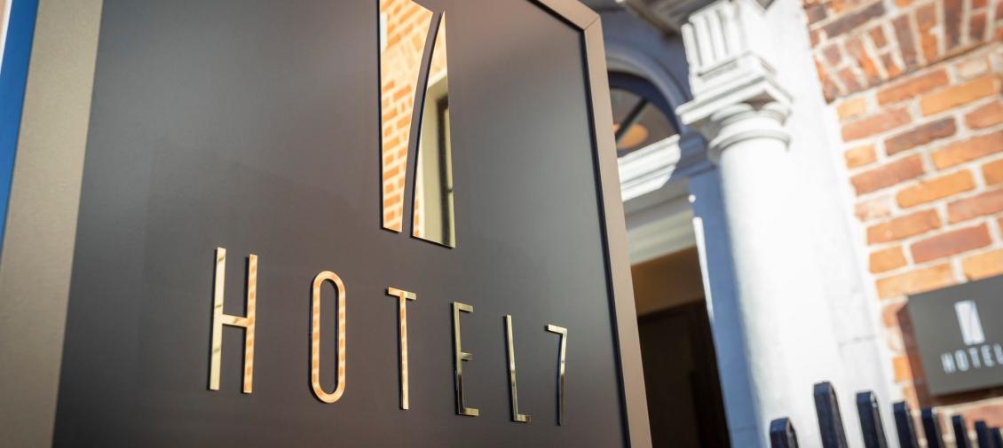 entrance-Hotel-7-Dublin-2-1